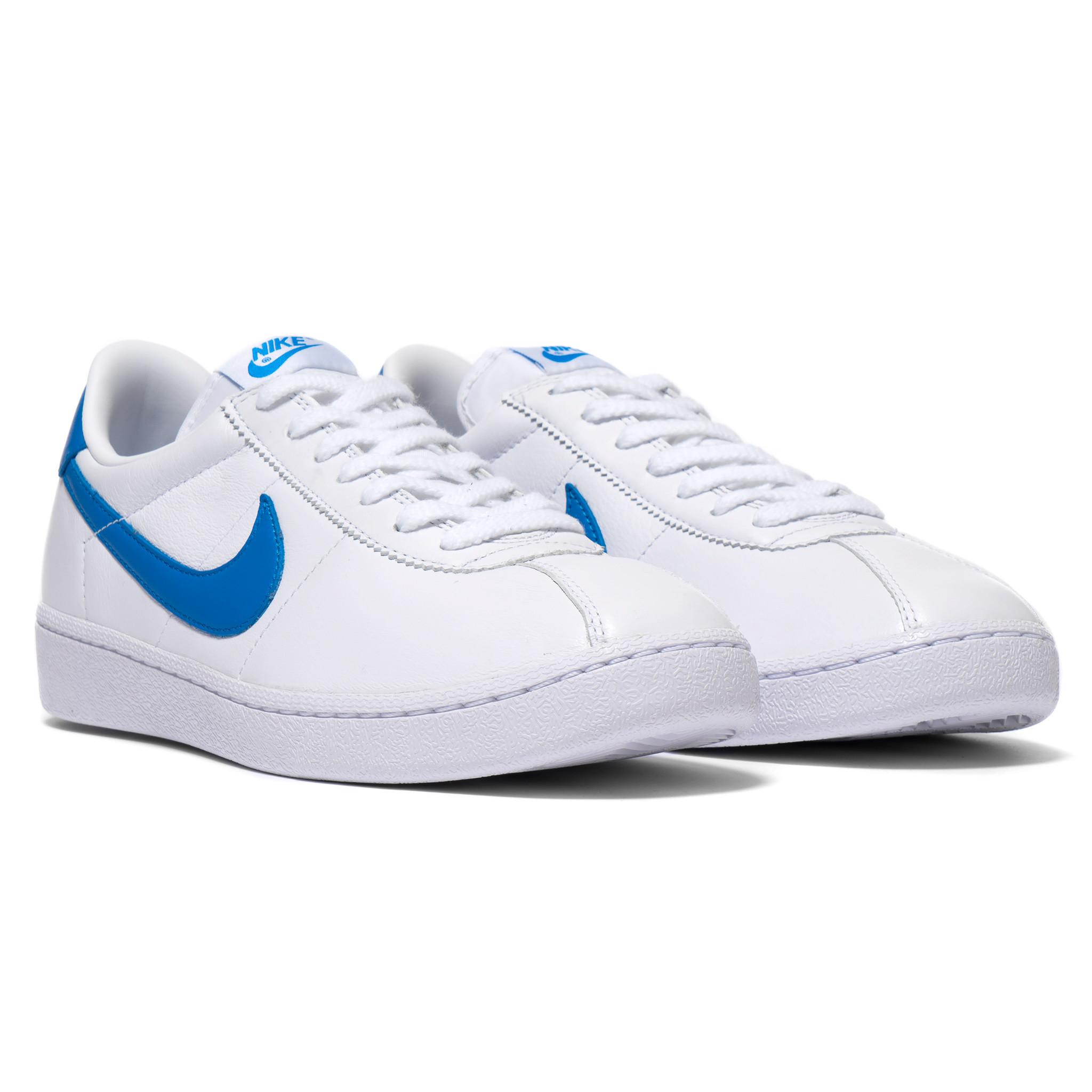 Nike-Bruin