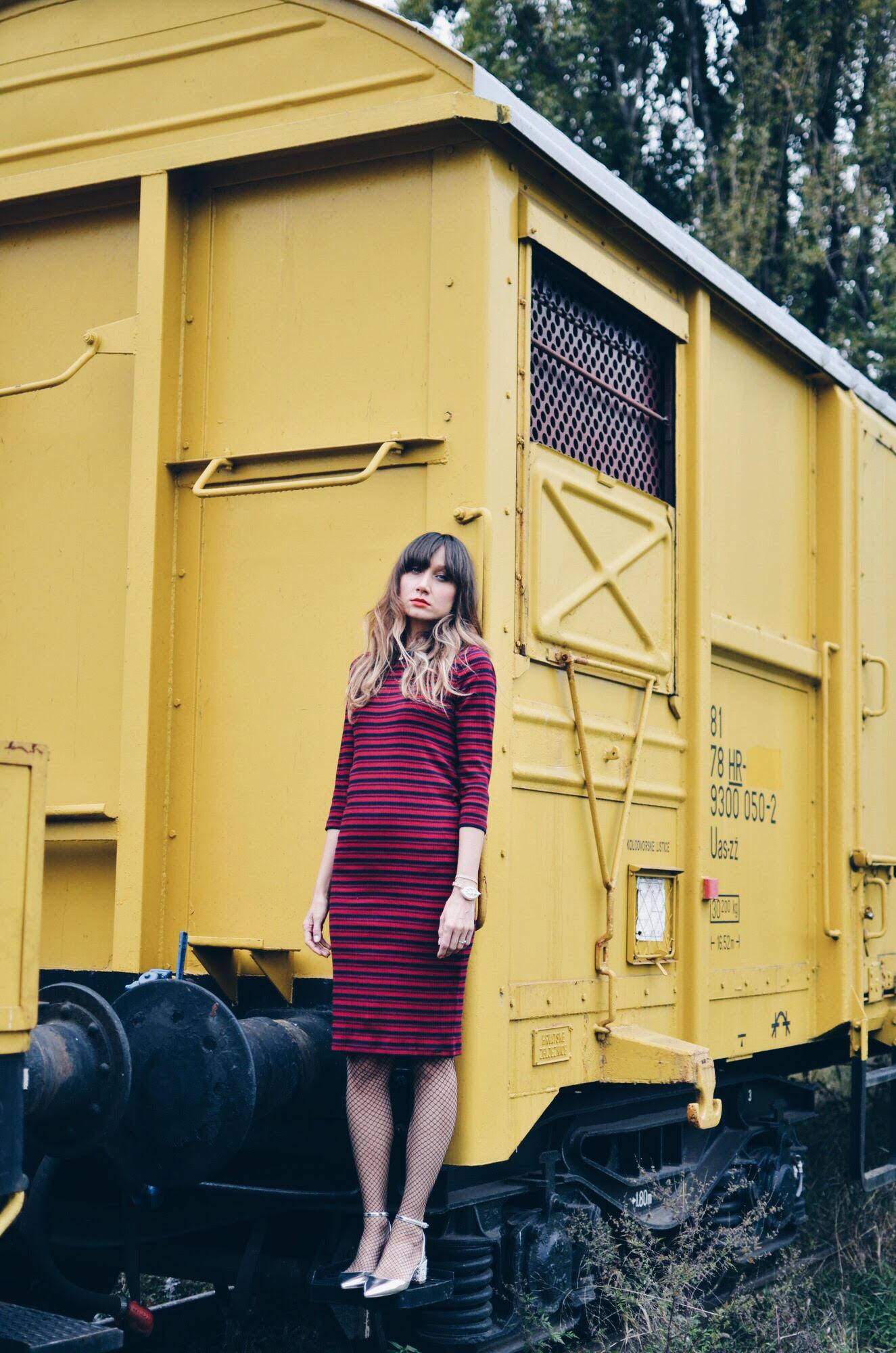 3 WAYS TO WEAR A STRIPED DRESS